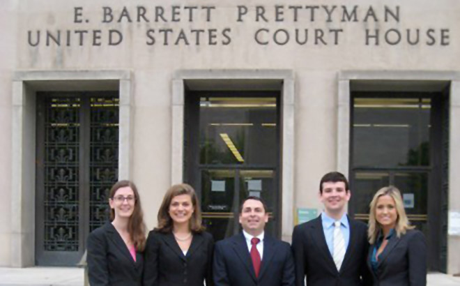 Students from the Appellate Litigation Clinic in front of Fourth Circuit